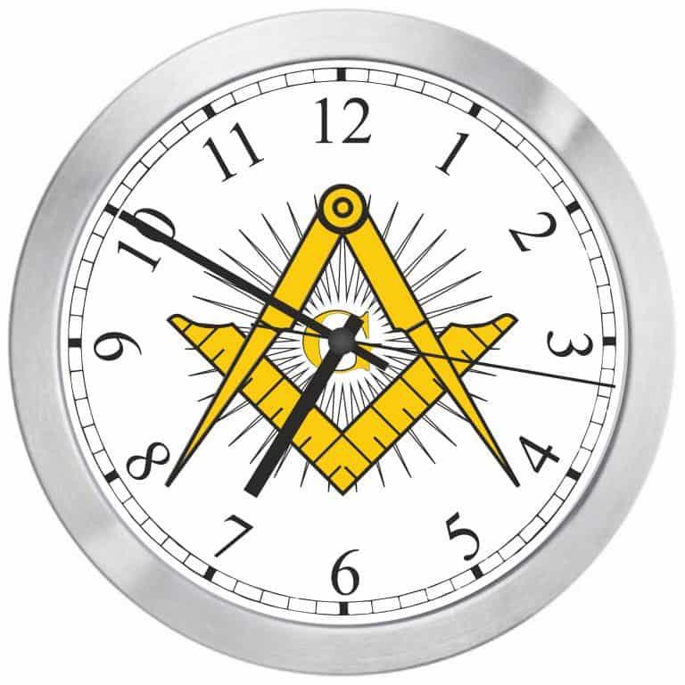 часовник с масонски символ